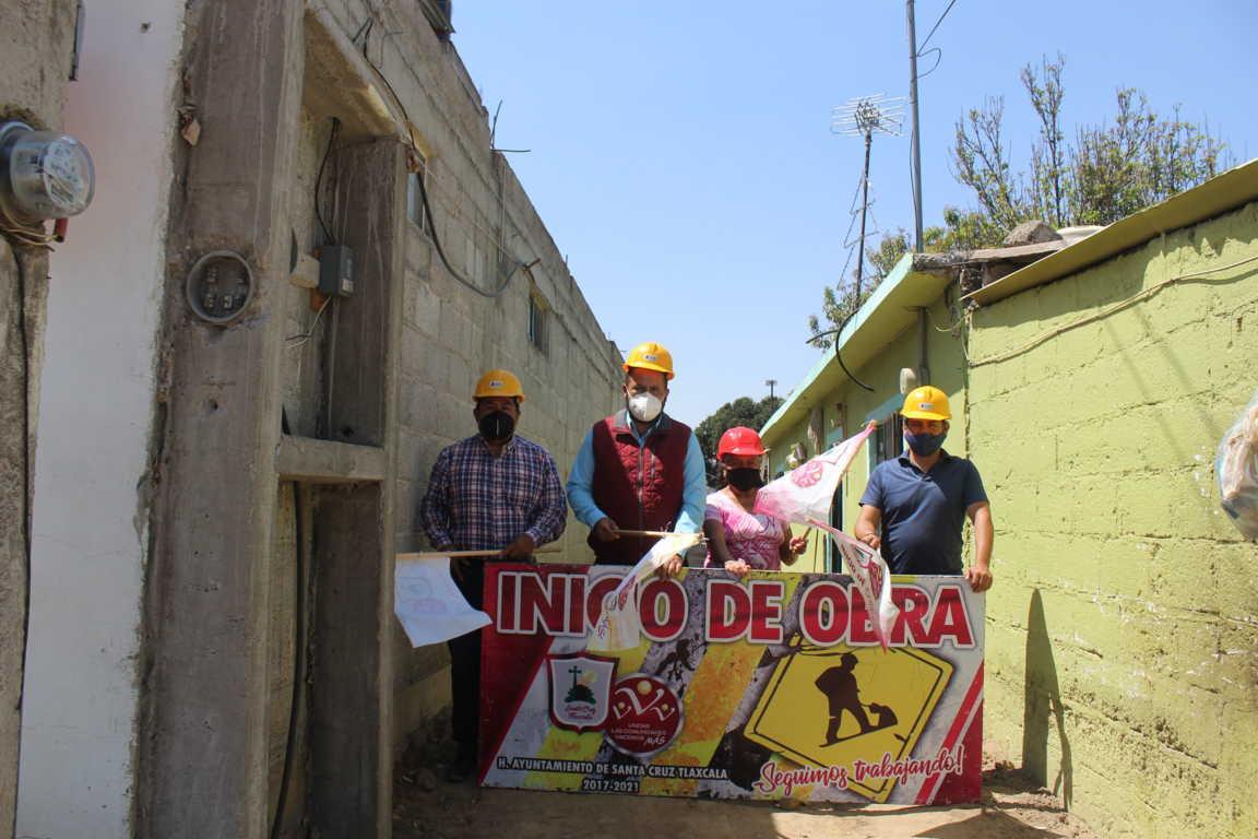 Dan banderazo de inicio para ampliar red de drenaje sanitario en San Lucas Tlacochcalco
