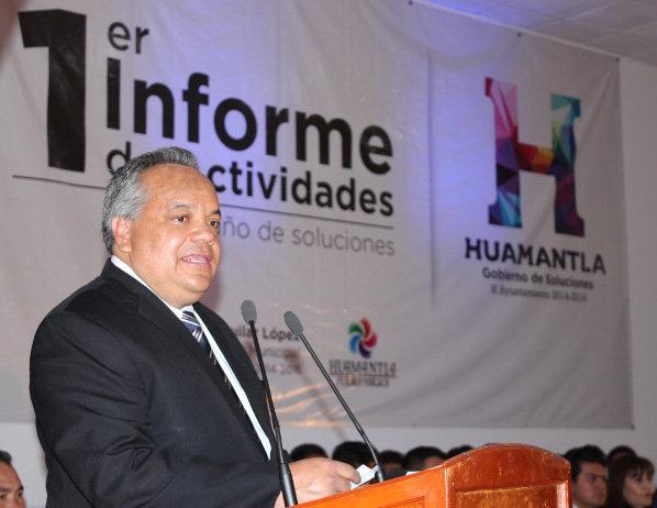 Rinde Alejandro Aguilar López primer informe de actividades