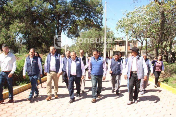 Con la suma de voluntades logramos pavimentar 5 calles: alcalde