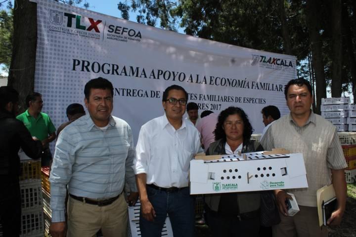 Productores del campo de Santa Cruz Tlaxcala recibieron apoyos