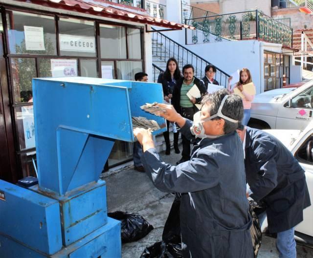 Destruyó INE de Tlaxcala 8 mil 924 formatos de credencial y micas electorales