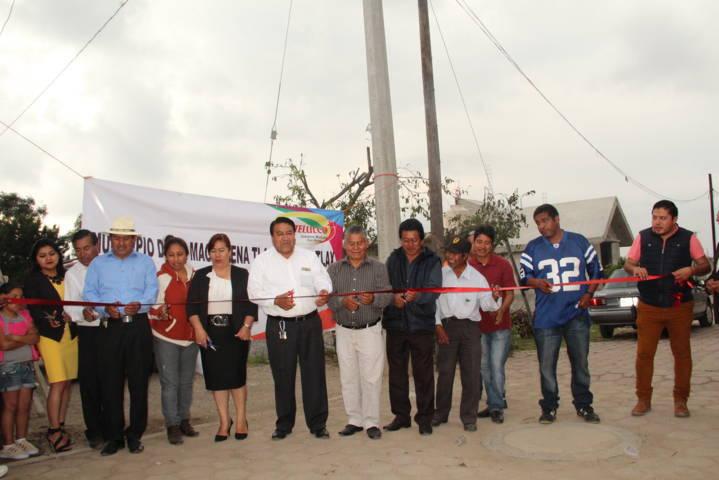 Alcalde realiza ampliación de la red eléctrica en la Venta y Poxtla
