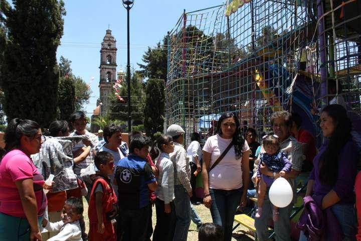 Alcalde y DIF de Santa Cruz Tlaxcala festejan Día del Niño