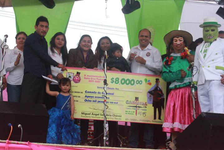 Sanabria Chávez encabezo el inicio del Carnaval Santa Cruz Tlaxcala 2018