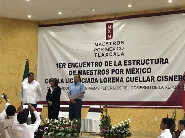 Sostiene Maestros por México primer encuento con Lorena Cuéllar