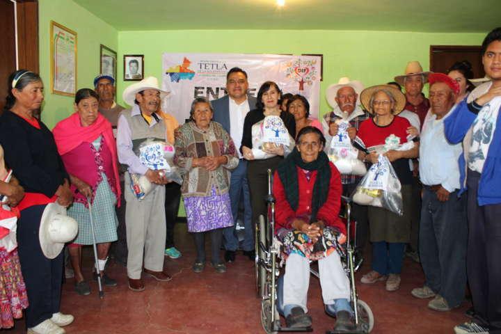 Smdif de Tetla realiza entrega de despensas en comunidades del municipio