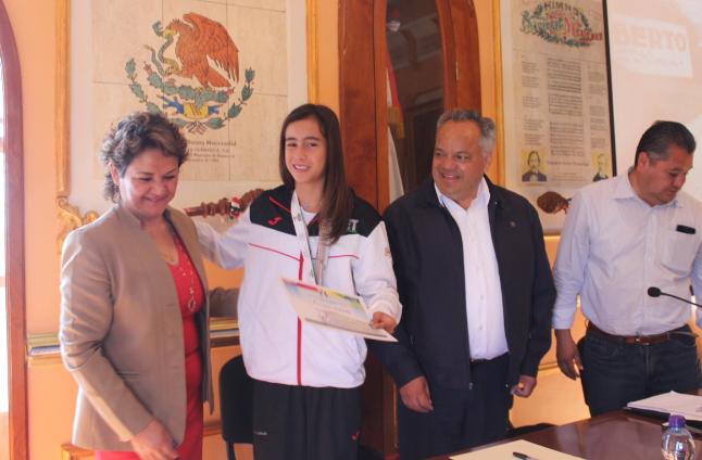 Reconoce Ayuntamiento de Huamantla a joven deportista
