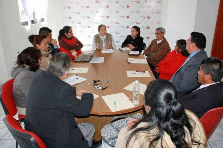 Alcaldesa de Texoloc se reúne con autoridades educativas