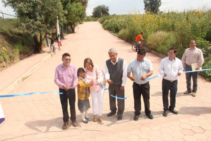 Continuamos entregando obras que beneficia a la población: Valencia Muñoz