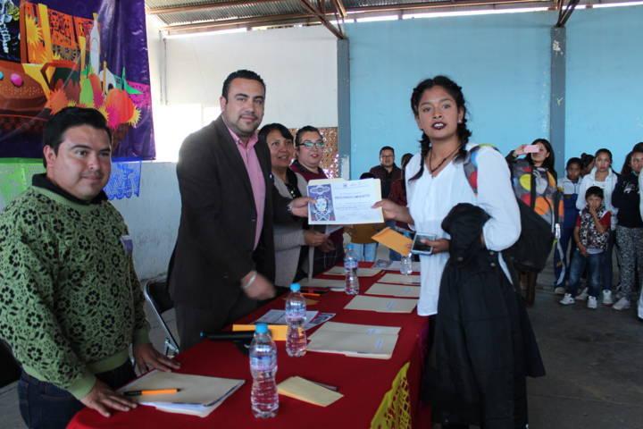 Alcalde fomenta tradiciones de Día de Muertos con concurso