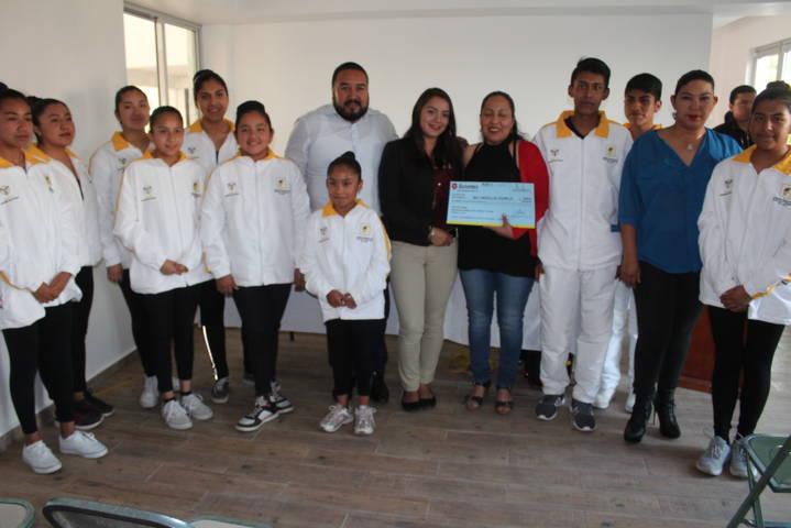 Alcalde incentiva a personas del programa de Desarrollo Cultural Municipal