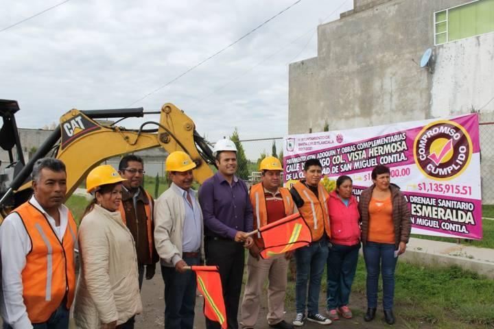 Banderazo de obra en colonia Esmeralda de Santa Cruz Tlaxcala.