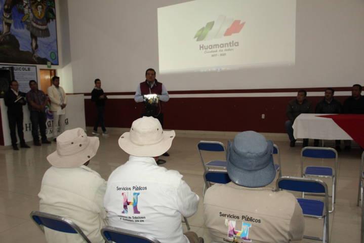 Sánchez Jasso entrega 124 despensas a sindicalizados del Ayuntamiento