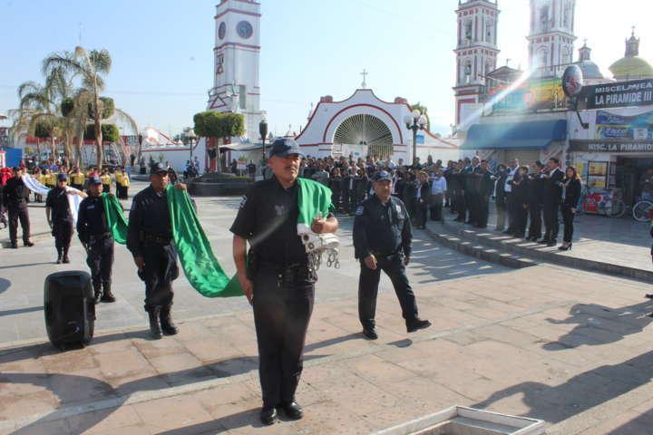 Alcalde encabezó ceremonia del centenario de la Constitución Mexicana