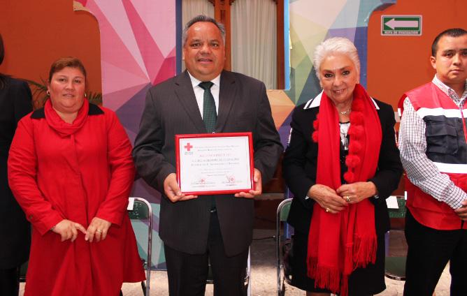 Refrenda Alejandro Aguilar López total apoyo a la Cruz Roja