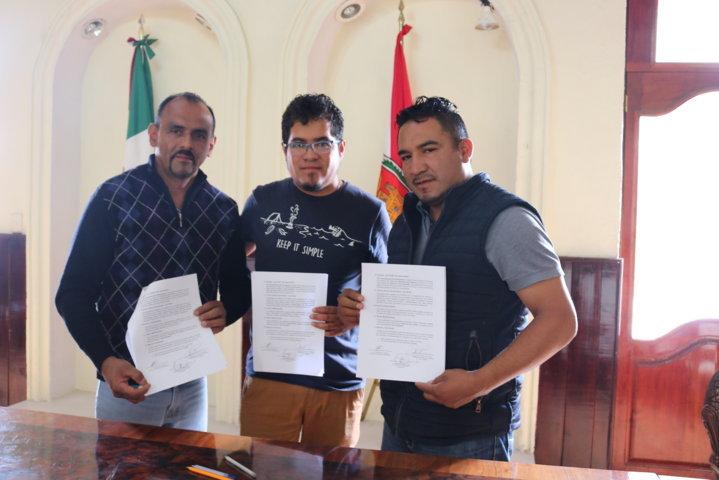 Firman convenio Zacatlán y Chiautempan en beneficio de artesanos