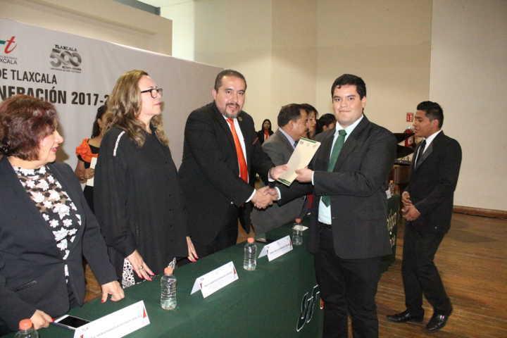 Celebra UTT graduación de 979 ingenieros y técnicos superiores universitarios