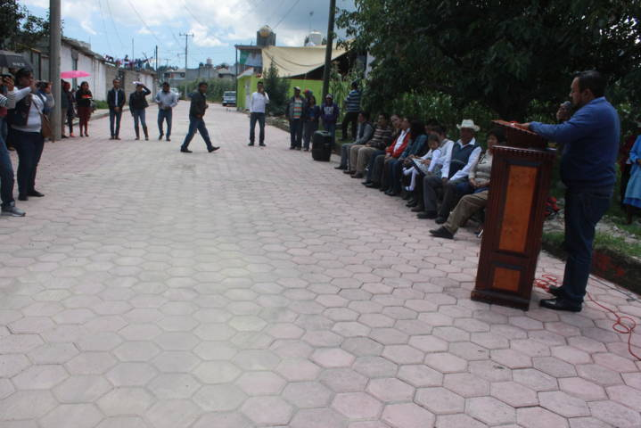 Alcalde mejora la imagen urbana de la calle Madero y da inicio a la 2da etapa