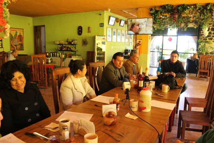 Ayuntamiento fomenta el hábito de la lectura con tradiciones del municipio