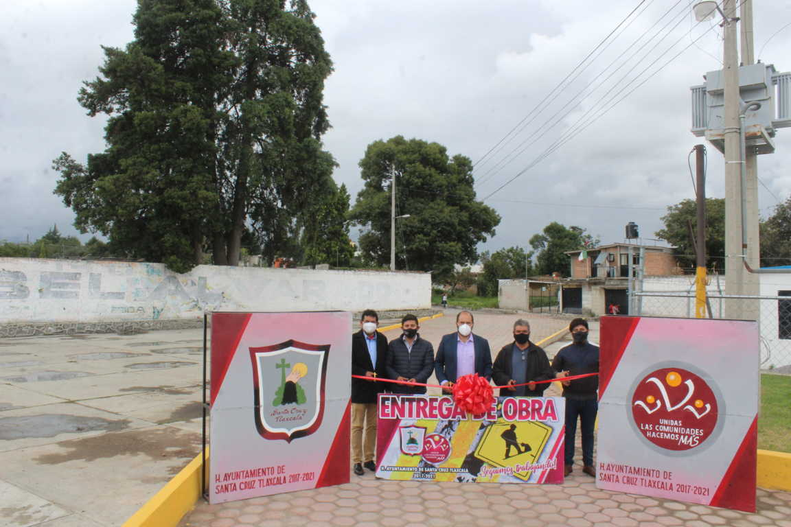 Sanabria Chávez entrega tres calles rehabilitadas
