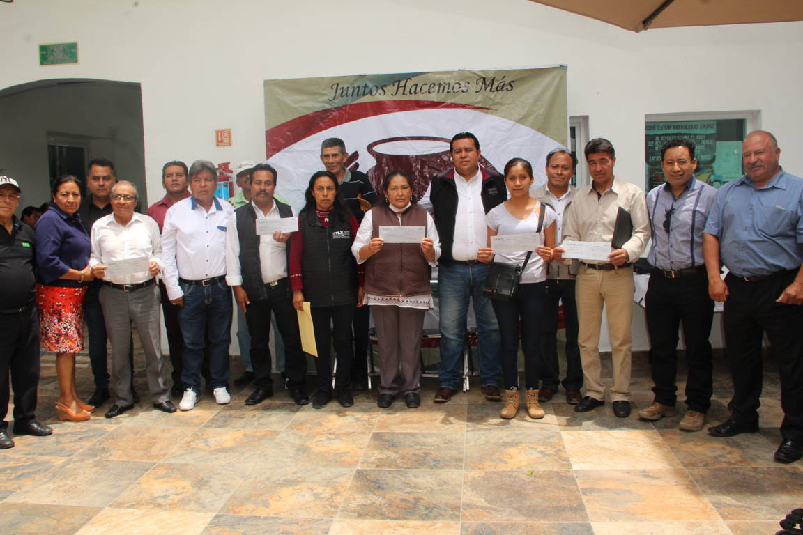 Rivera Mora gestiona 5 obras públicas para diferentes comunidades