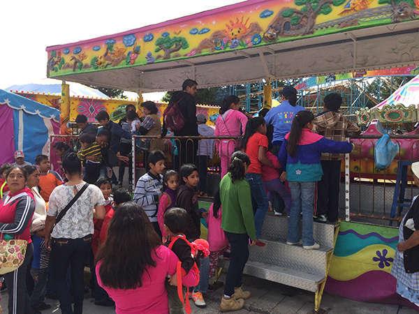Regala SMDIF Huamantla sonrisas y diversión a niños y niñas