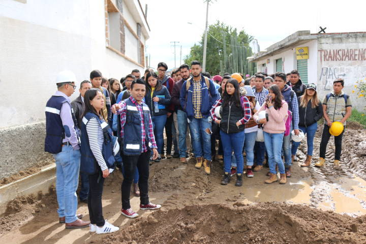 Alumnos de Arquitectura visitan Obras en Texoloc