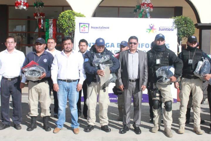 Una policía con las herramientas y los cursos necesarios mejoran su trabajo: alcalde