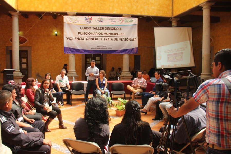 Sensibilizan a Funcionarios de Calpulalpan contra trata de personas