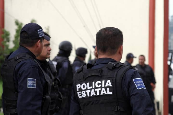 Elementos recuperan a integrantes de una familia retenida por pobladores en Zitlaltepec