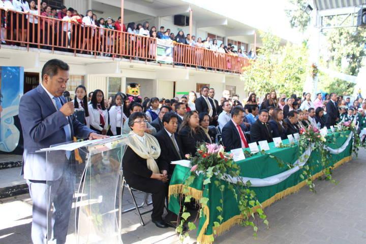 Cano Coyotl apadrina a 480 alumnos de la secundaria General Gabriela Mistral