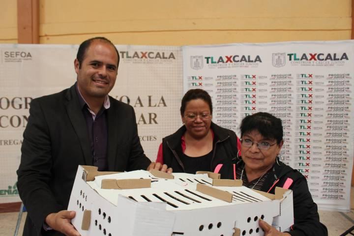 Entregó Sefoa paquetes de aves en Santa Cruz Tlaxcala