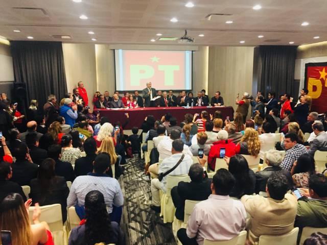 PT ratifica a AMLO como su candidato a la Presidencia de México