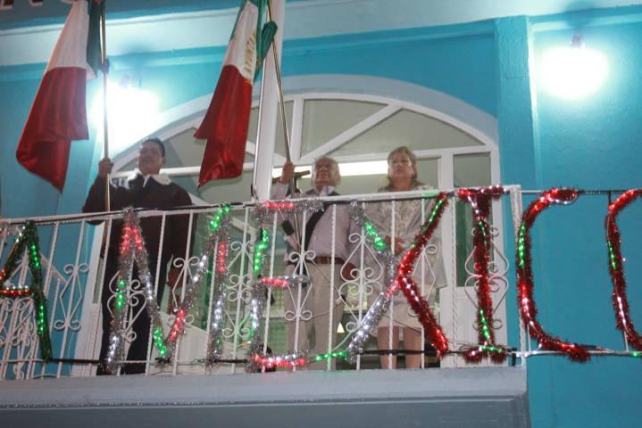 Alcalde Desampedro López dio el Grito de Independencia