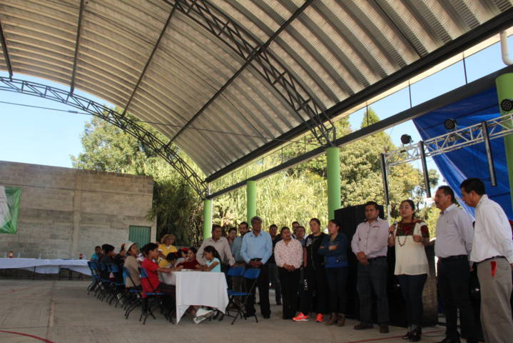Con la suma de voluntades logramos que Quiahuixtla sur tenga una techumbre: alcalde