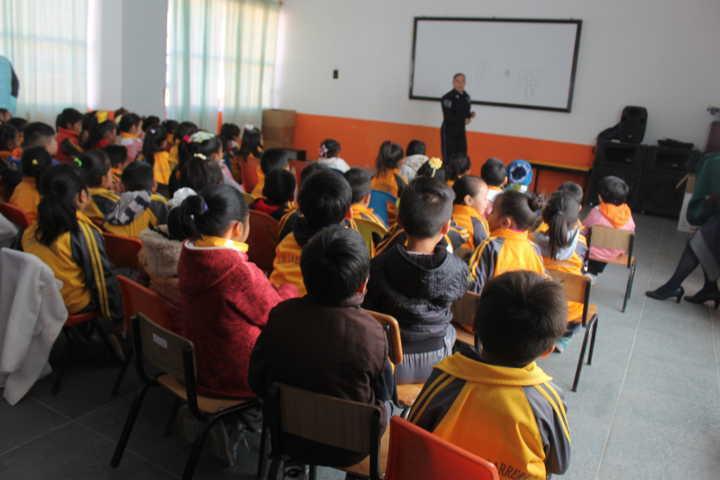 Niños de preescolar de San Miguel Contla reciben plática de educación vial