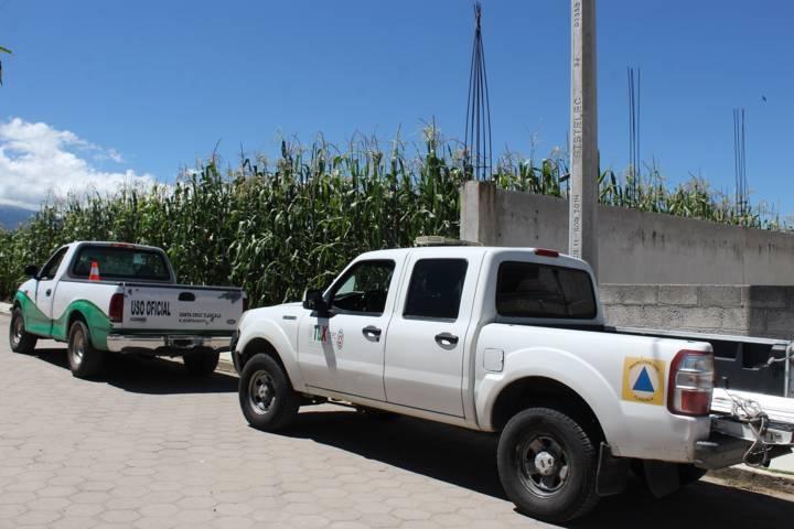 Protección Civil entregó láminas en Santa Cruz Tlaxcala