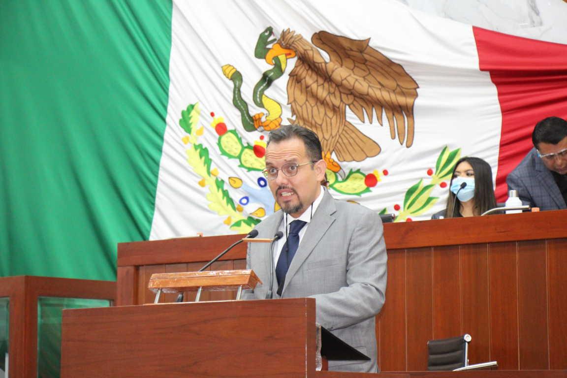 Plantea Manuel Cambrón exhorto para suspender clases presenciales