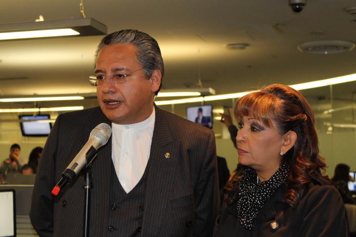 """Lorena Cuéllar denuncia """"cochinero"""" a nivel nacional"""