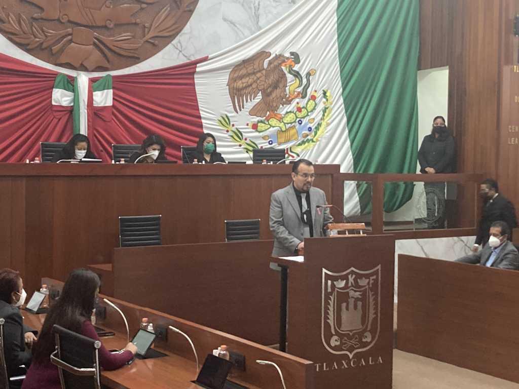 Propone Cambrón Soria, modificar Ley Orgánica y Reglamento Interior del Poder Legislativo