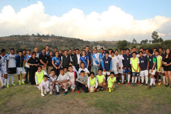 La Unidad Deportiva de Huactzinco abrió sus puertas a la academia de futbol Puebla F.C.