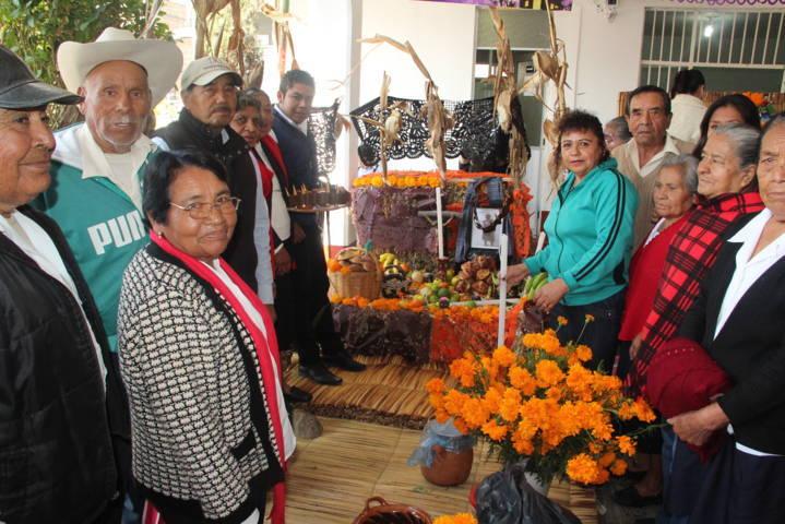 Realizó con éxito Ayuntamiento y el SMDIF concurso de ofrendas