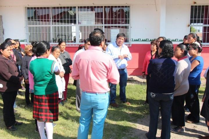 Padres de familia prevén accidentes en la Escuela Primaria General Juan Cuamatzi