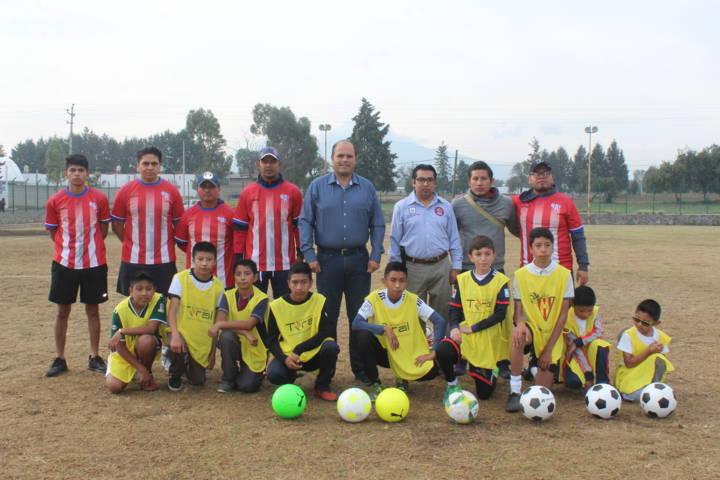 Ayuntamiento fomenta el deporte en niños y jóvenes con visorias de futbol