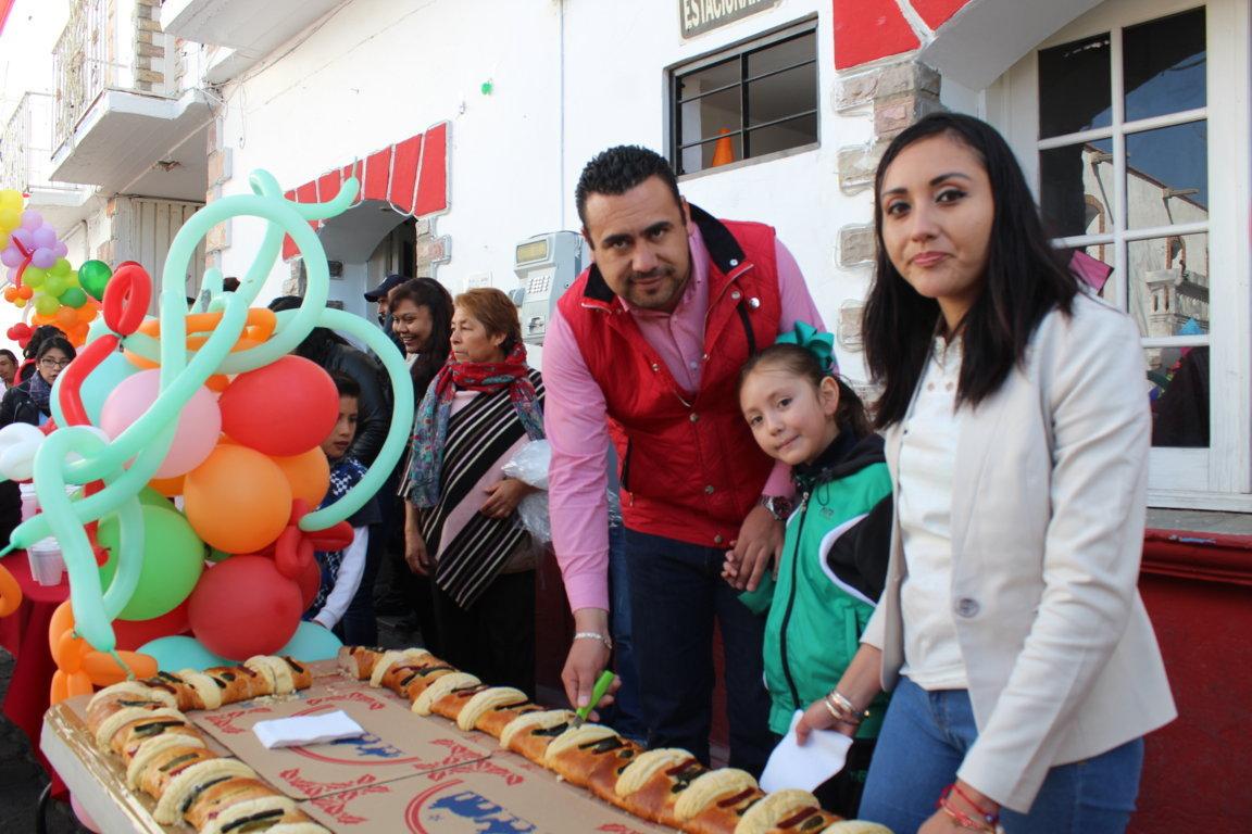 Ayuntamiento y SMDIF festejaron a los niños en el Día de Reyes Magos