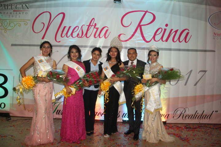 """Herrera Vara corono a """"Cinthia I"""" como Reina de la feria Nopalucan 2017"""