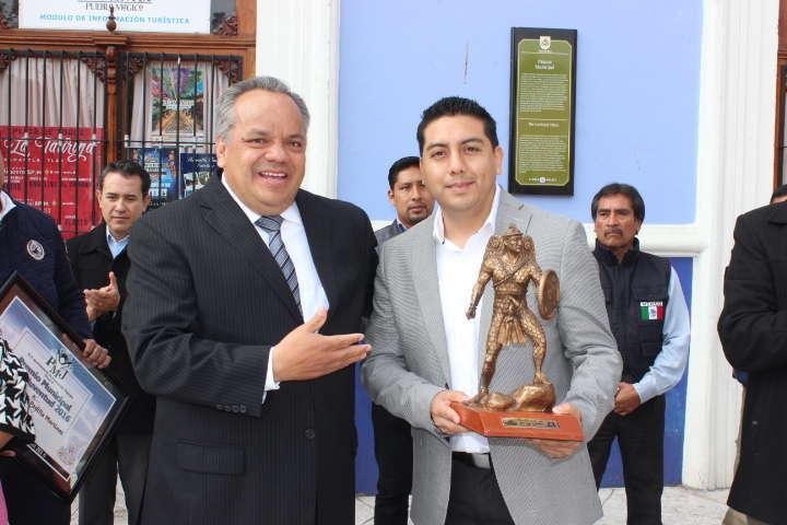 Entrega JAAL Premio Municipal de la Juventud 2016
