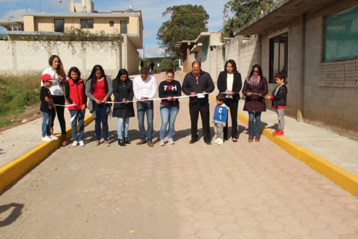 Alcalde continúa realizando obras en la comunidad de Santa Clara
