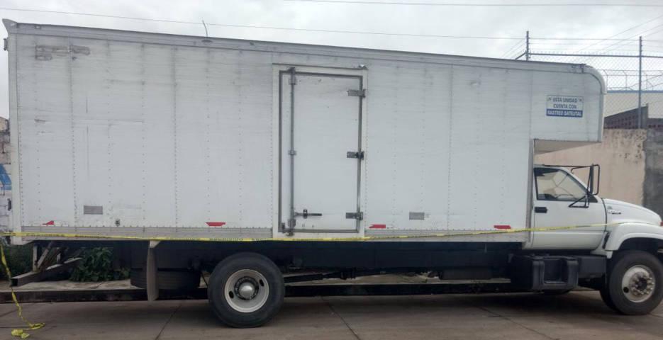 Recupera PGJE camión de carga robado en Calpulalpan