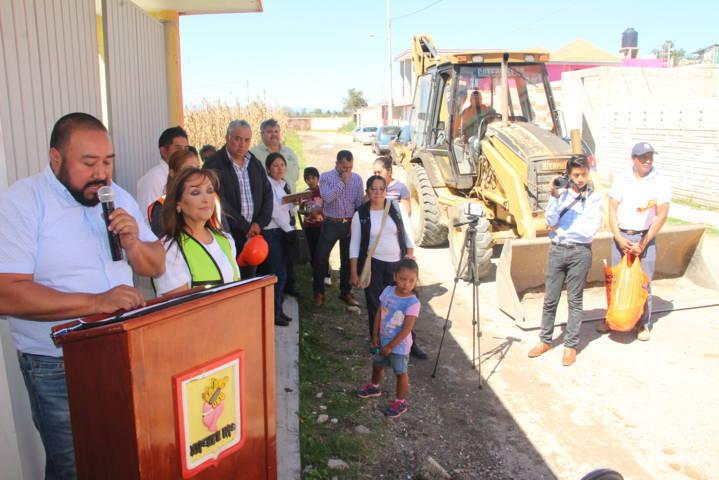 Vecinos de la calle Perú tendrán una vialidad adoquinada: Badillo Jaramillo